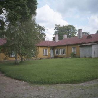 Vana koolihoone enne lammutamist - vaade hoovist